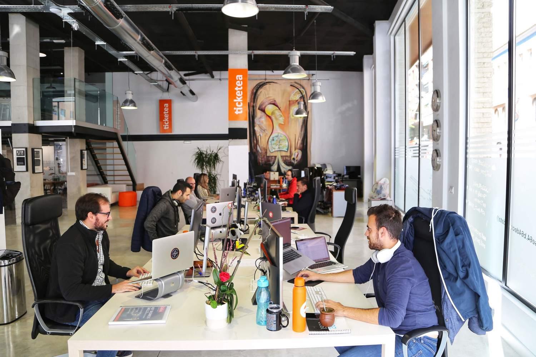 Person, Furniture, Table, Desk, Restaurant, Lab, Electronics, Cafeteria