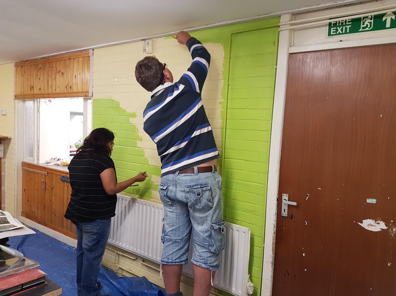 Person, Home Decor, Clothing, Wood, Pants, Plywood, Door, Shelf, Sleeve, Flooring