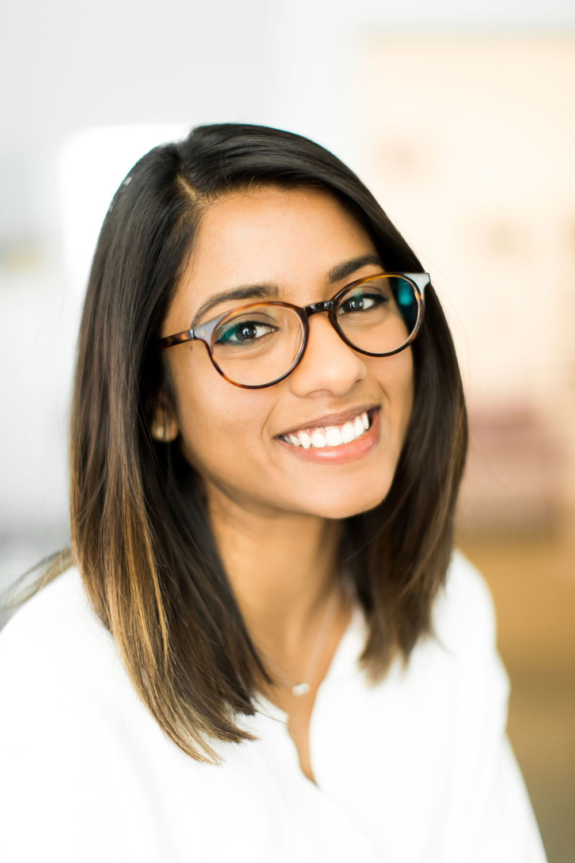 Person, Face, Glasses, Accessories, Smile, Female, Woman, Dimples, Portrait, Girl